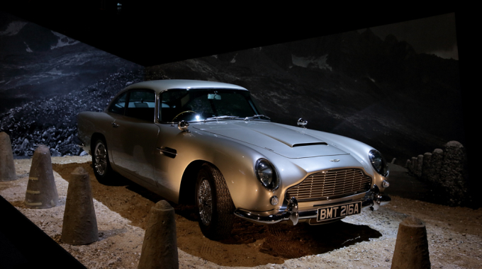 James Bond 007 : 50 ans de style Bond