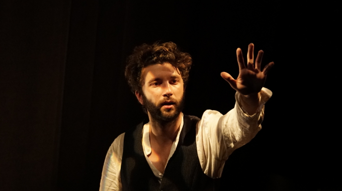 Amok au Théâtre de Poche-Montparnasse: aimer à en perdre la raison