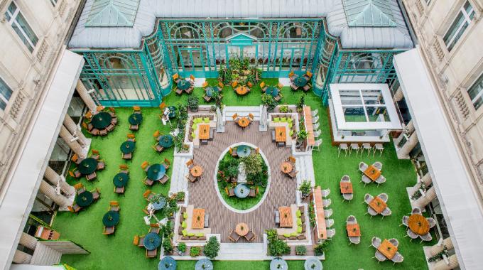 Parenthèse nature au potager urbain de l'hôtel Westin Paris-Vendôme