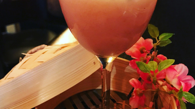 Le Five: bar à cocktails cosy aux créations magiques