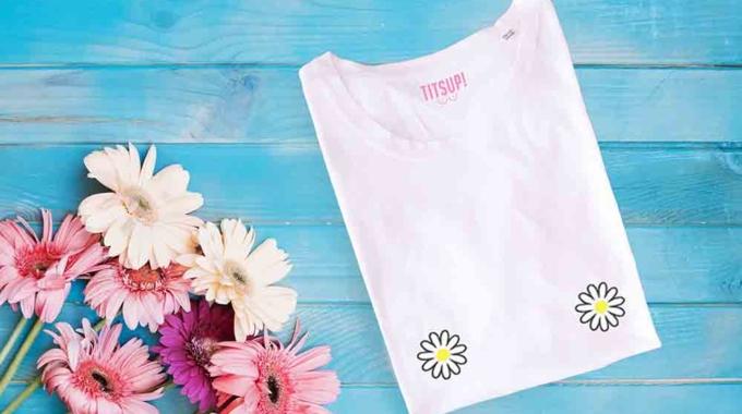 TitsUp, les t-shirts aux patchs brodés sur la poitrine