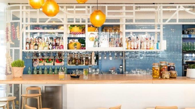 Halle Quatre: cuisine de l'Ouest, ateliers DIY et dj sets
