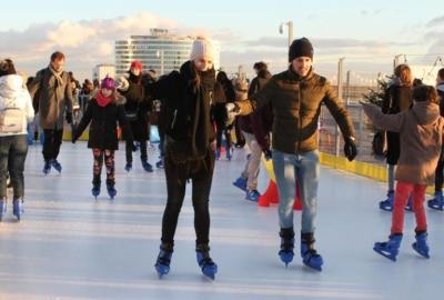 La Défense ouvre sa patinoire à 110 mètres de hauteur