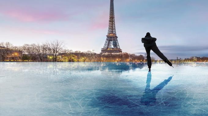 Hors Piste : rooftop d'hiver avec vue sur la tour Eiffel