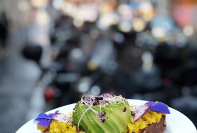 Le premier avocado bar de France a ouvert à Paris