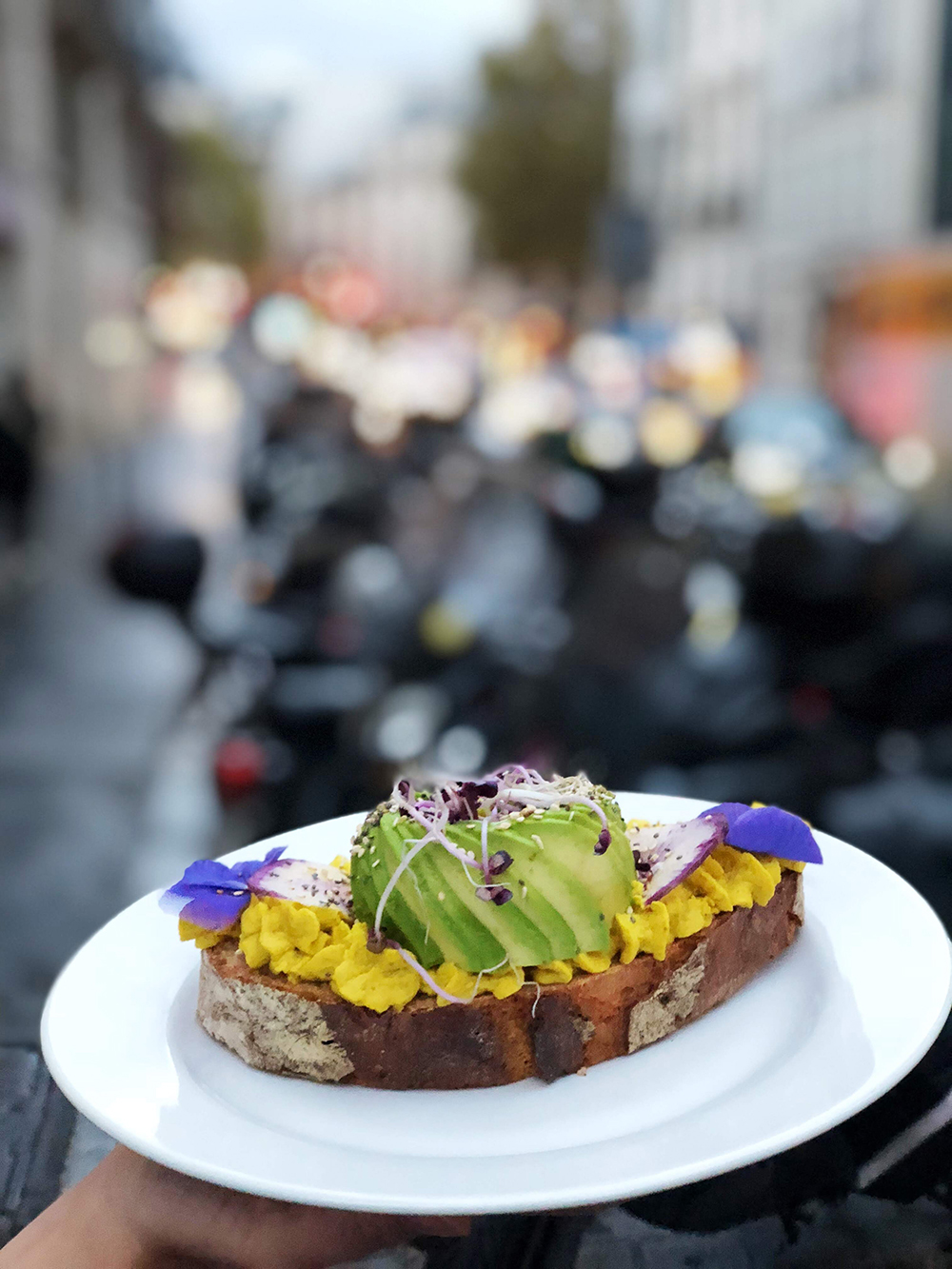 Le premier avocado bar de France a ouvert à Paris