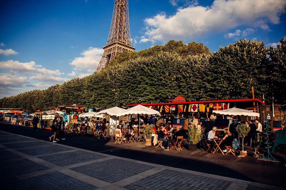 Le Bal de la Marine est de retour au pied de la tour Eiffel