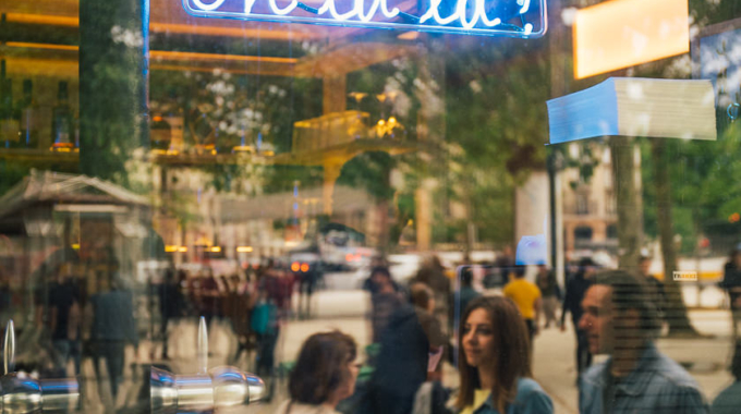 Oh La La : le premier hôtel parisien caché derrière un bar à cocktail