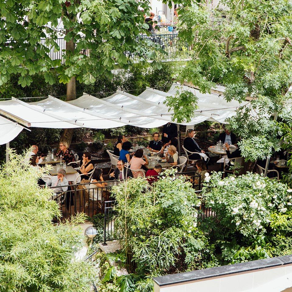 Quatre restaurants avec terrasse ouverts ce mois d'août à Paris