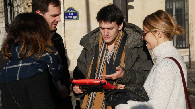 ClueZ, premier jeu de piste digital pour visiter Paris de facon insolite